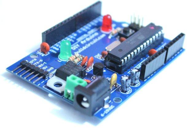 Do-it-yourself DIY Arduino- Build Your own Arduino