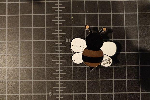 Buzzy Bee SAO badgelife addon