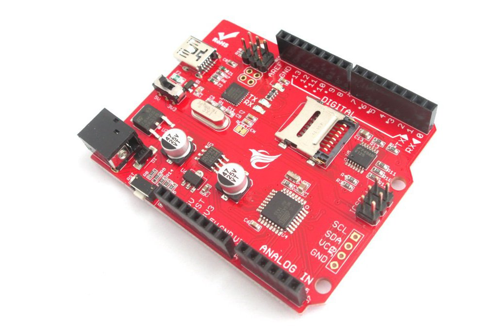 Arduino development board with on-board SD slot 1