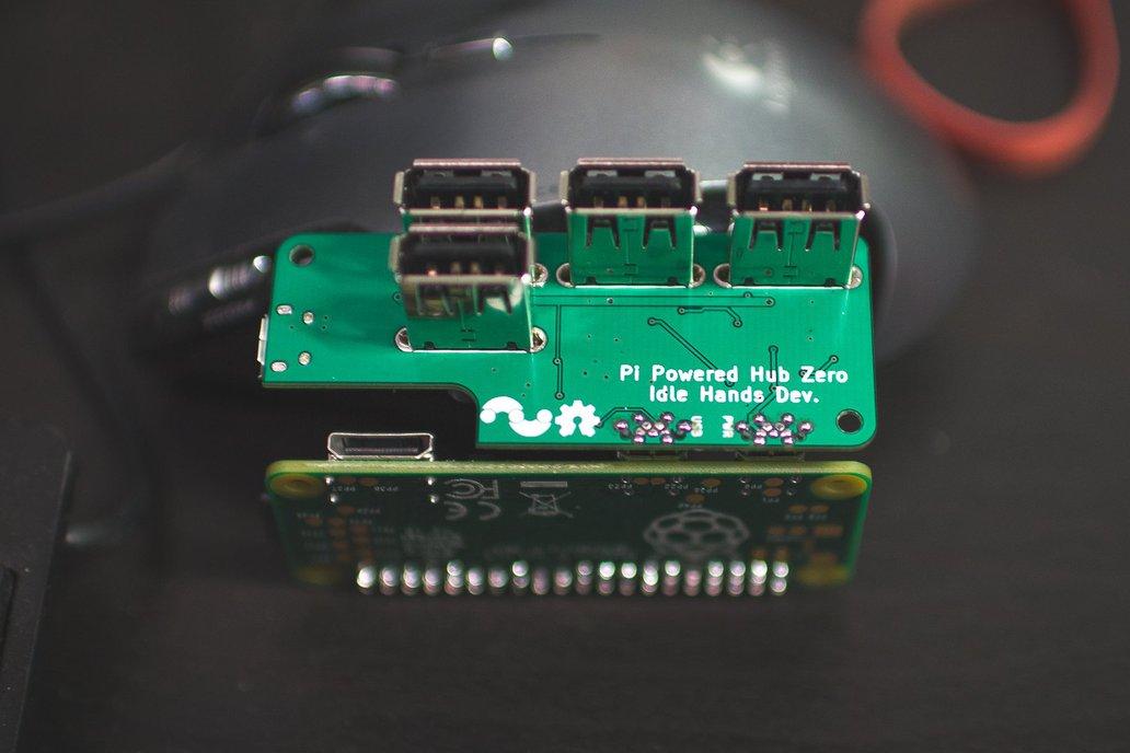 PiAngle - Plug-n-play Raspberry Pi Zero USB Hub 3