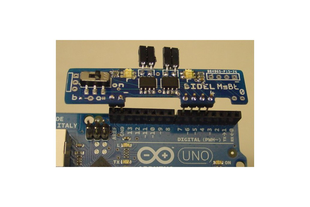 Mini-shield for two motors with LEDs and powerOff 1