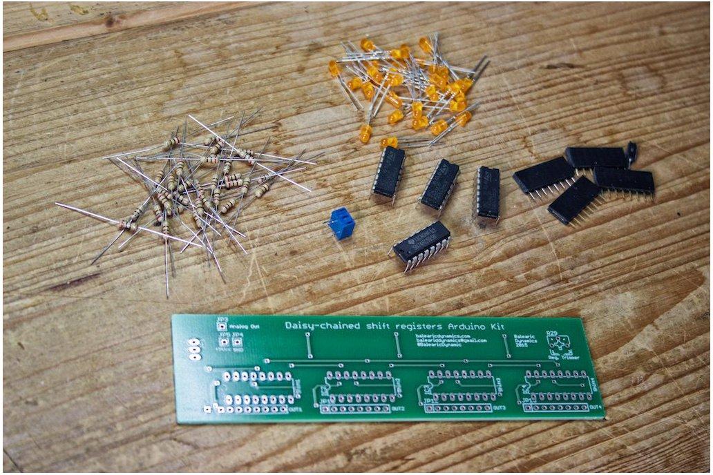 Daisy-chained Shift Registers Board Arduino kit 2