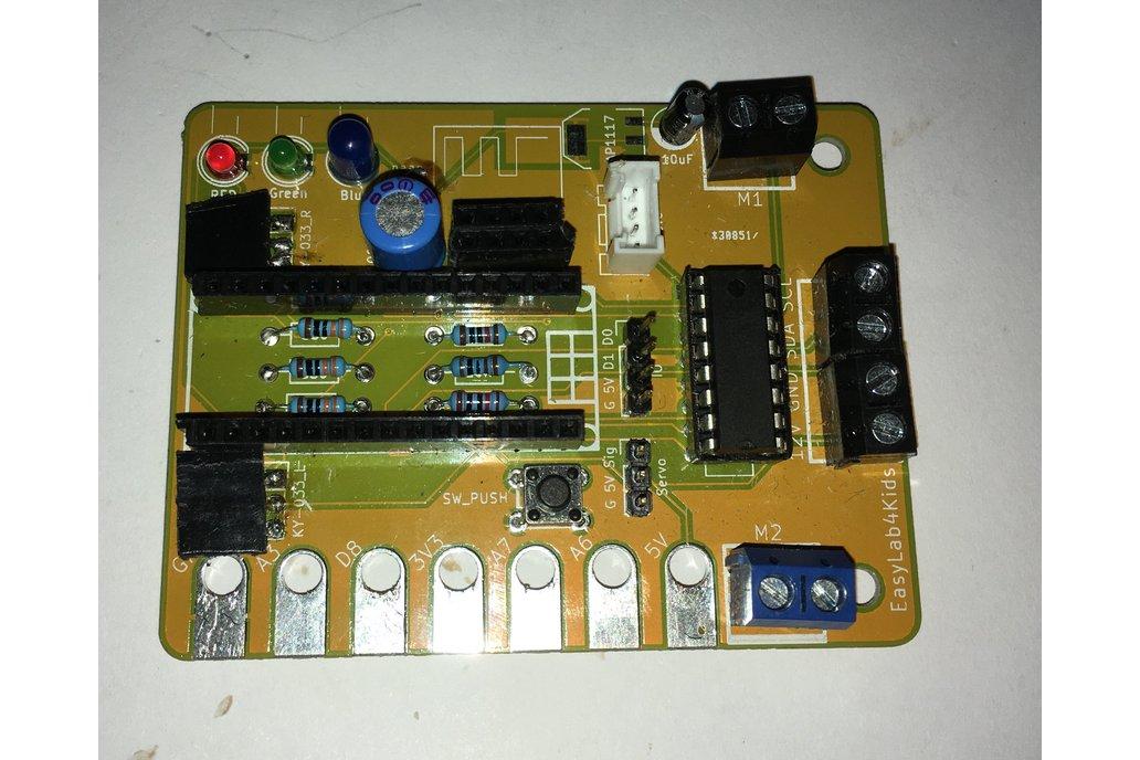 Arduino breadbordless prototyping board with robot 1