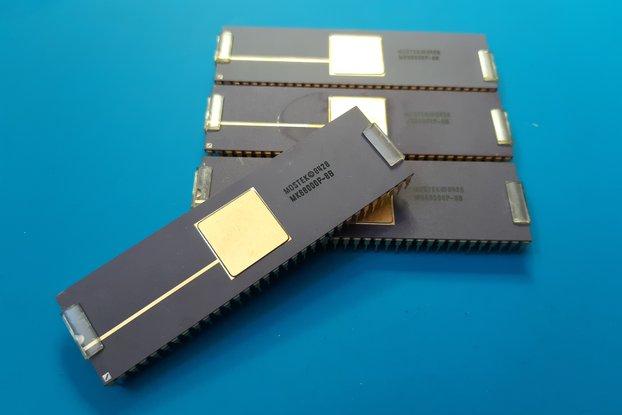 CPU MK68000P-8B MOSTEK NOS Commodore Amiga