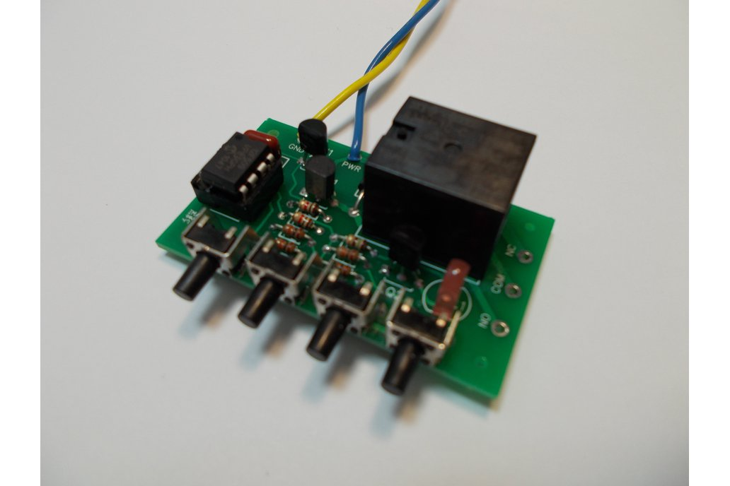 PIC 8-Pin Development Kit, 9v Relay (#5620) 1