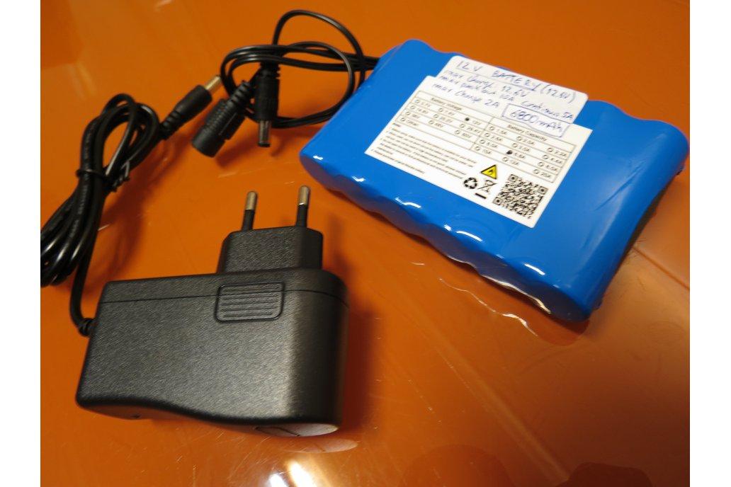12V 6800mAh 10Ah Lithium BATTERY + Charger 1