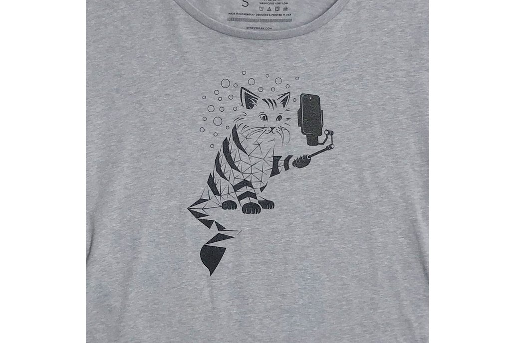 Snap Cat Womens Loose Fit Graphic T-shirt 1