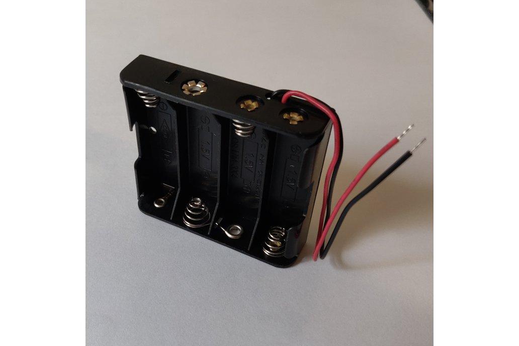 4 AA Battery Holder 1