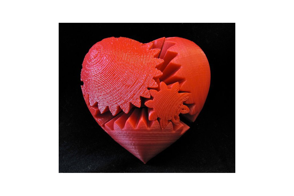 Rotating Heart Gear (3D Printed) 2