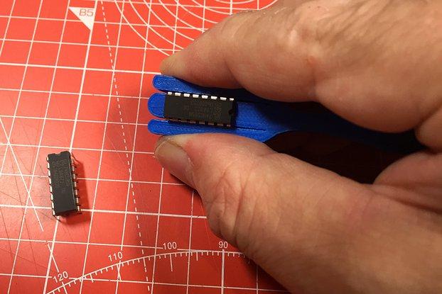 3D Printed DIP IC Lead Straightners