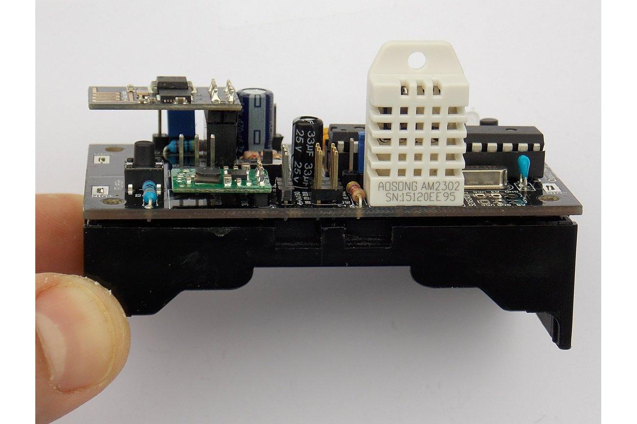 Battery-Powered Wifi Temp/Humidity Sensor (v1.21B)