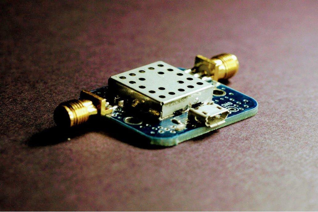 Filtered GPS L1 LNA w/ Input Bias Tee 20dB Gain 1