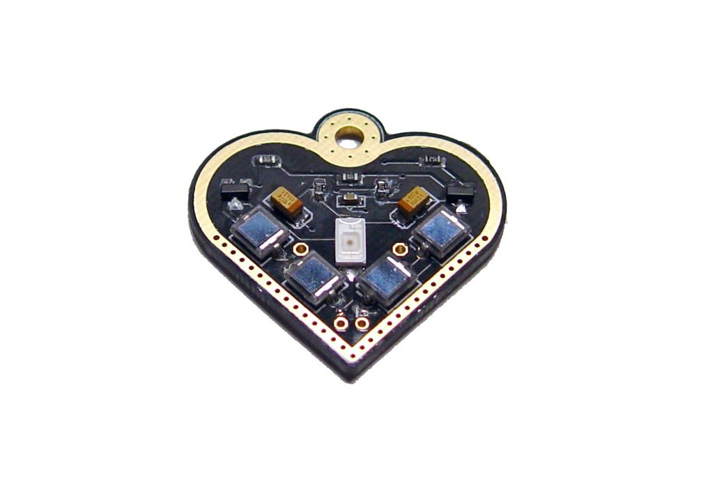 Solar-powered flashing LED heart pendant 4