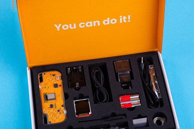 CircuitMess Nibble educational DIY game console