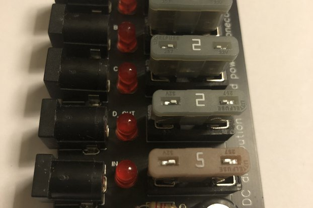5 .. 12 Volt DC Distribution Board 5.5x2.1mm plugs