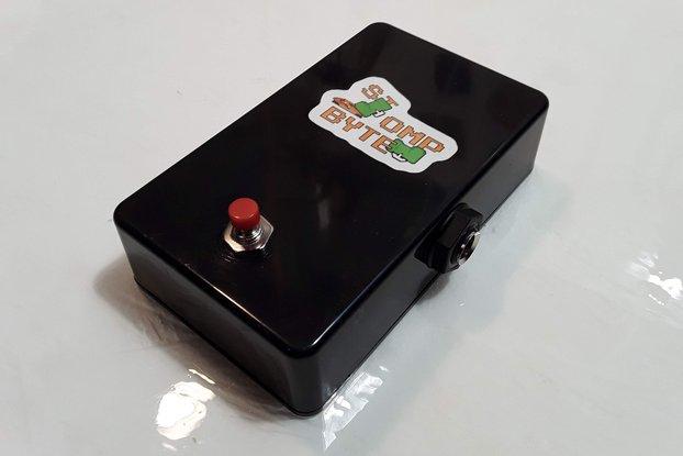 StompByte - an 8-bit electronic stompbox