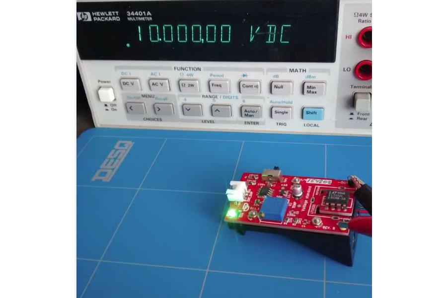 Voltage standard reference calibration