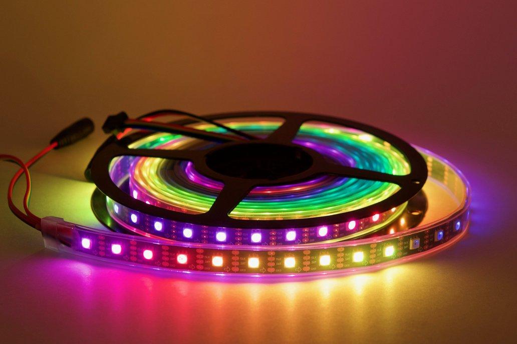 4 meter spool of 60/m SK9822 (APA102) RGB LEDs 1