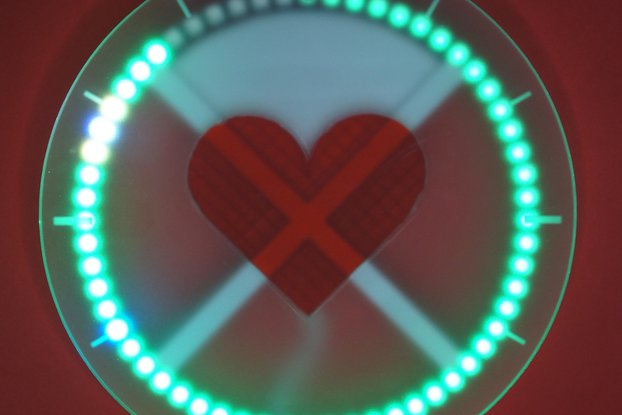 Nolio in Love - Hearty LED Wall Clock
