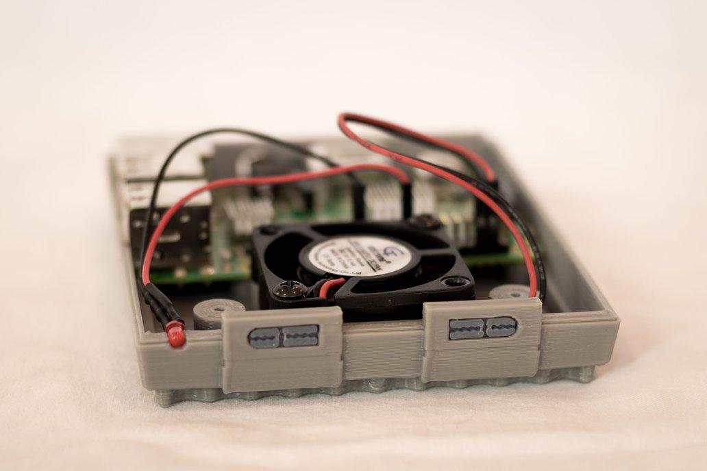 3D Printed SNES Case for Raspberry Pi w/ Fan & LED 4