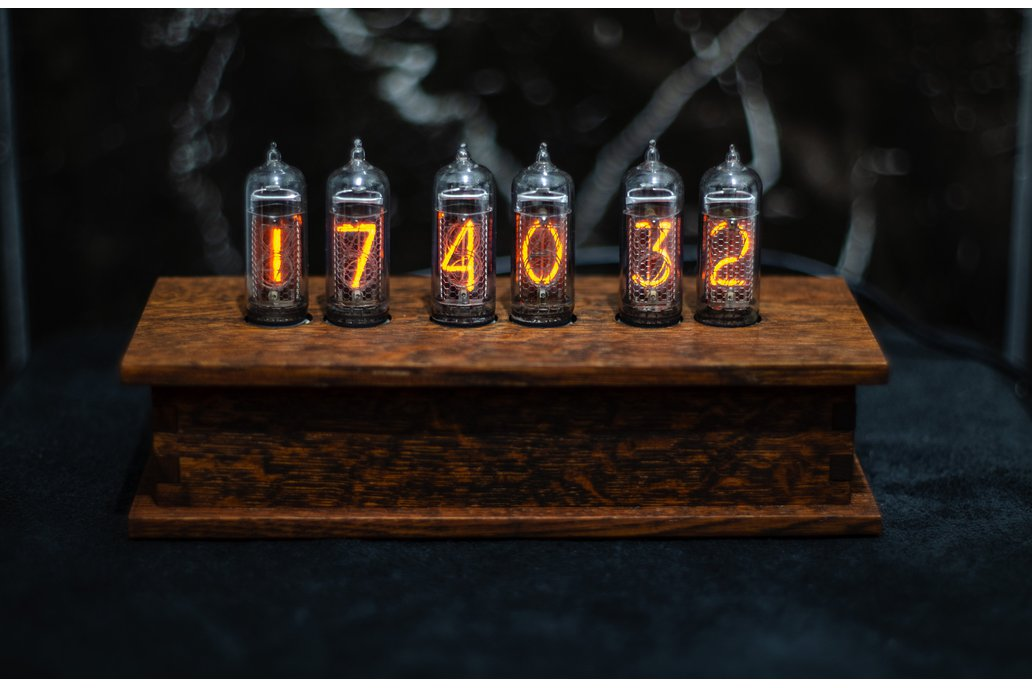 Nixie clock in 14 oak case 6 Tubes 1