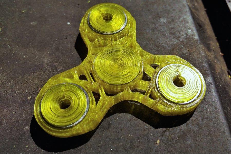 """The Voronoi"" Tri Spinner 3d Printed Fidget Spinne"