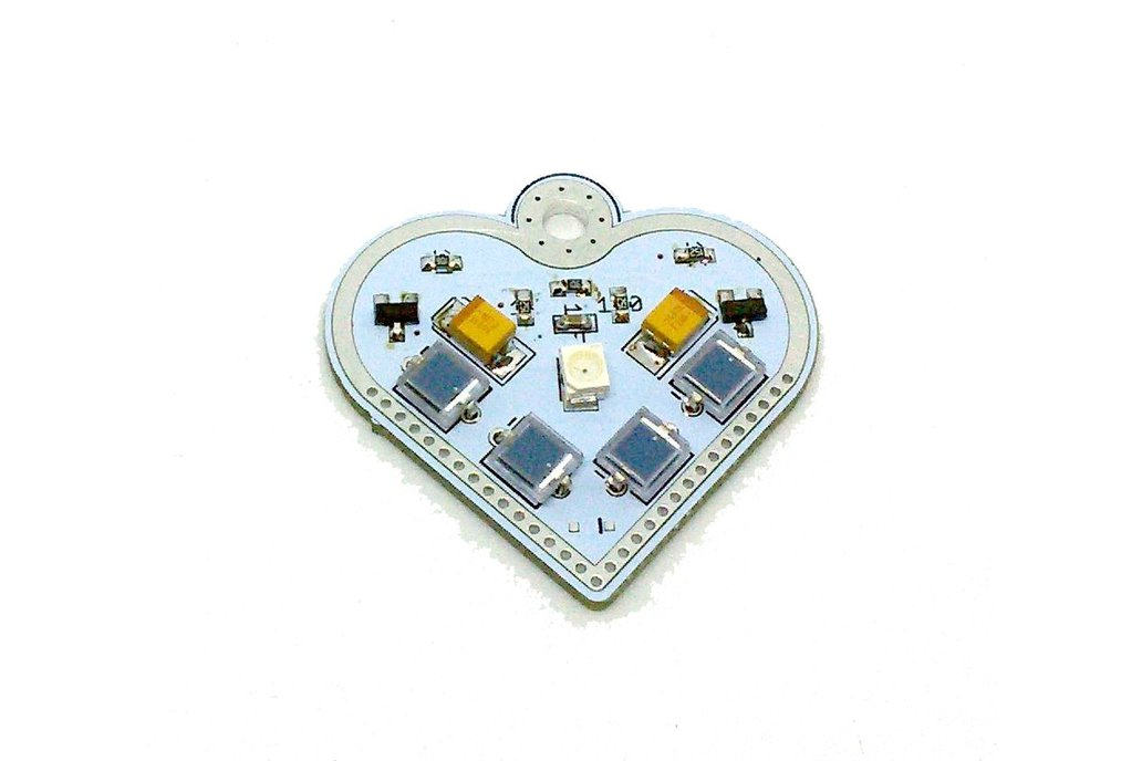 Solar-powered flashing LED heart pendant 3