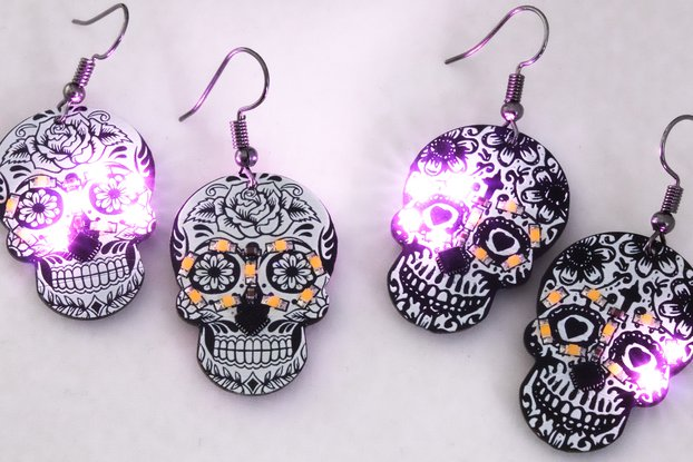 Skull LED earrings (pair)