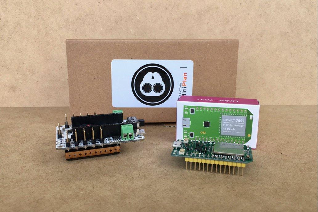 Robot Shield Servo Control Board with LinkIt 7697 1