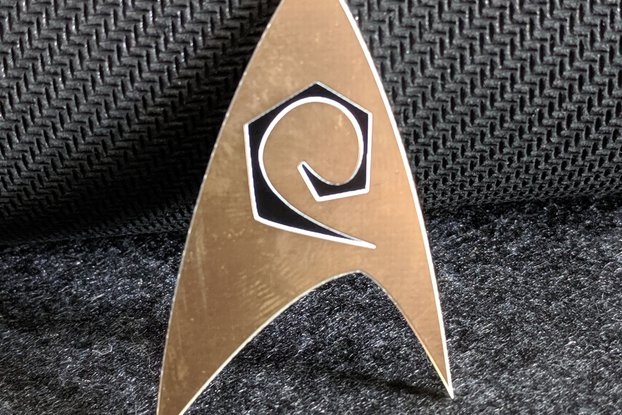Star Fleet Engineer/Ops Gold Lapel Pin