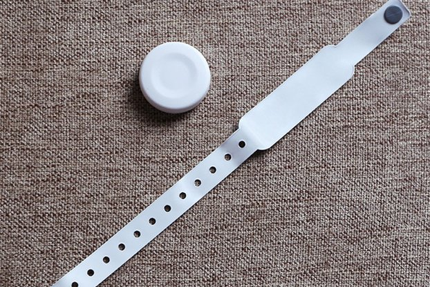 ble 5.0 wearable wristband motion sensor beacon
