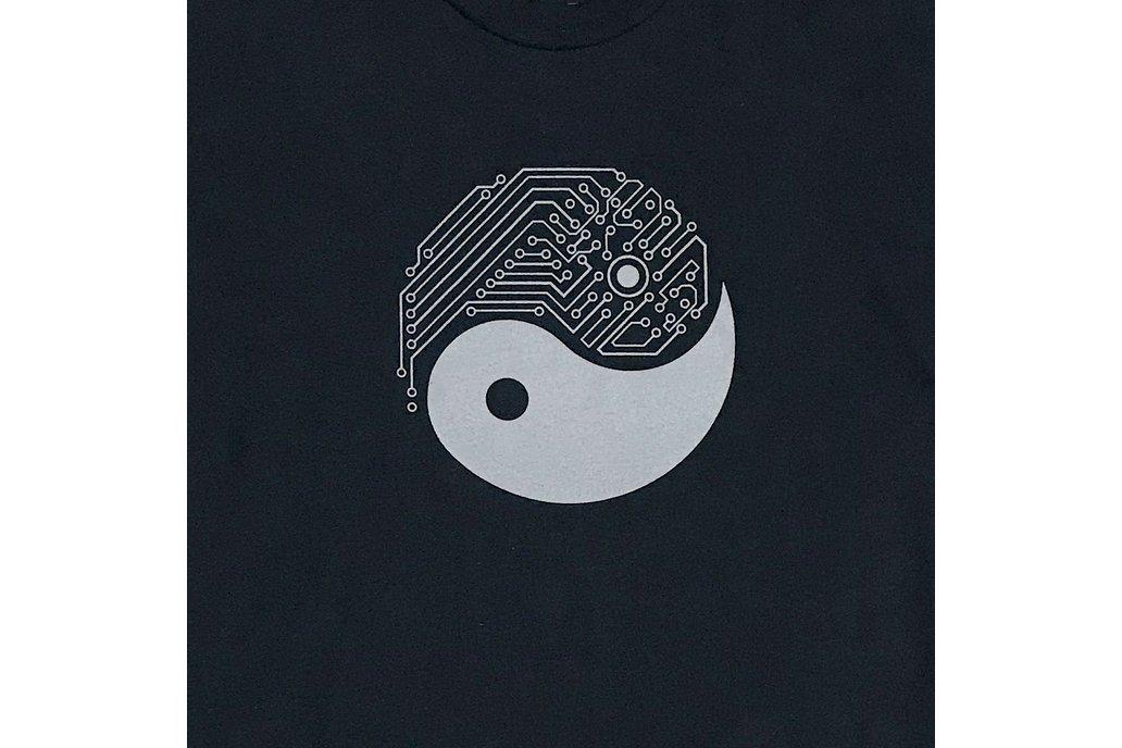 YIN YANG TECH Graphic T-shirt 1