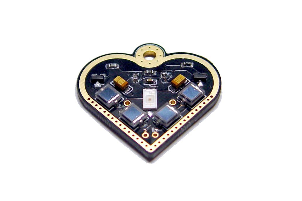 Solar-powered flashing LED heart pendant 2