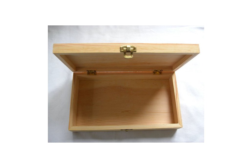 Wooden box with catch 2