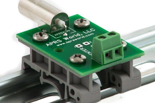 BNC breakout board to screw terminals, DIN mount