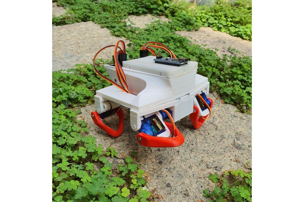 BOCA - 8 DOF robotic platform for STEM education 1